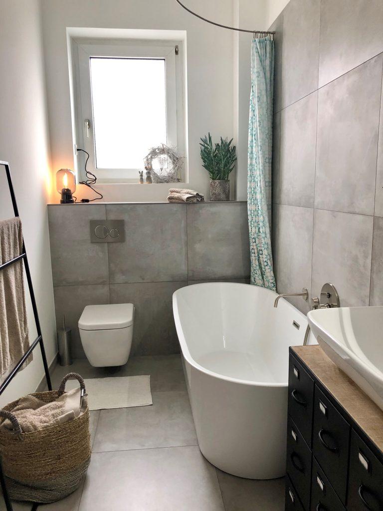 Neues Bad mit Betonoptikfliesen
